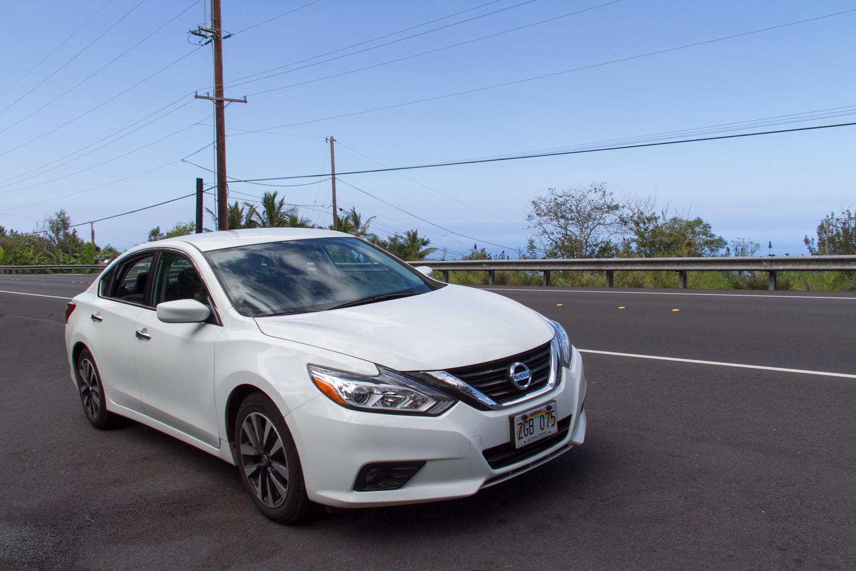 ハワイ レンタカー 写真 Nissan Altima